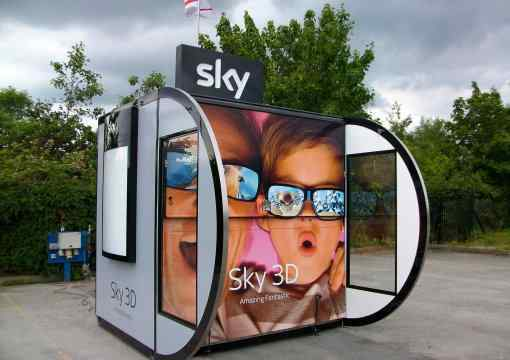 Sky shopping centre sales kiosk with ramp and canopy closed