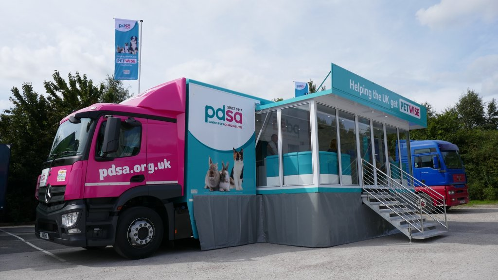 Pdsa 18 Ton Mobile Veterinary Clinic And Exhibition